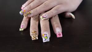 Lecciones básicas uñas acrílicas