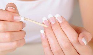 Cómo hacer uñas de porcelana en casa.